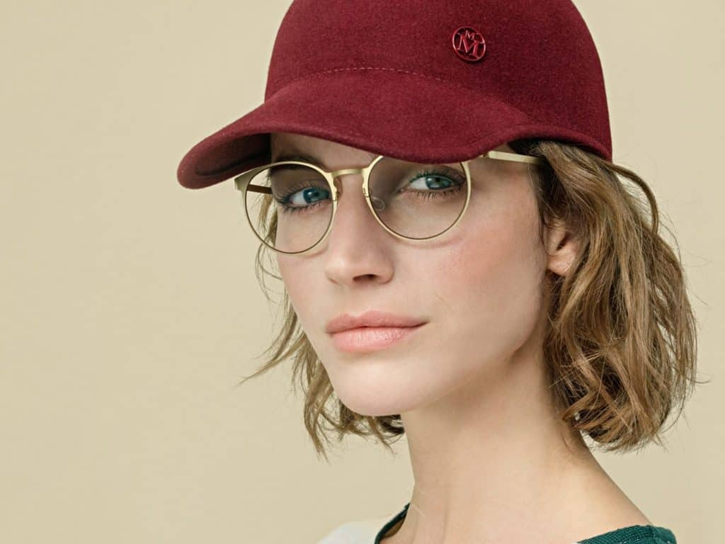model-wearing-hat-and-glasses